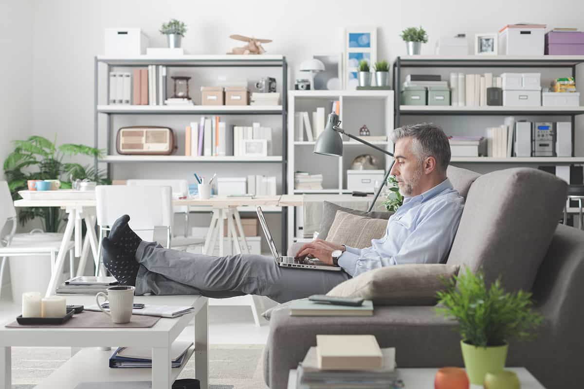 businessman working at home SNRML5H